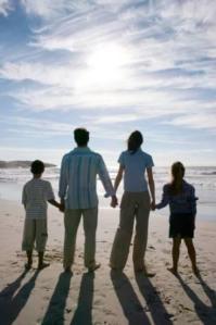 La familia mira su futuro con esperanza  si lo hace en comunión