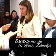 E-_web_religionenlibertad.com_html_imagenes_fotosdeldia_12499_zdenka_maria_turkova__en_su_bautizo