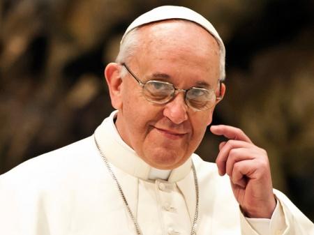 La Iglesia es santa y permanece abierta a todos