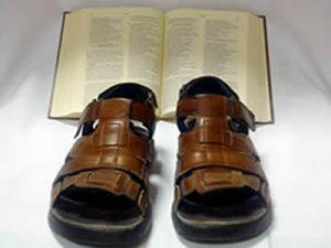 Evangelizar: Salir equipados con la Palabra de Dios.