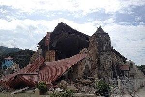 Templo de Toloc tras el terremoto. Urge la ayuda a los damnificados.