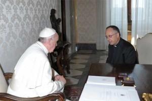 Papa Francisco con el P.  Spaldaro
