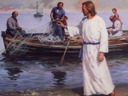 Echad la red a la derecha de la barca y encontraréis