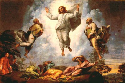 Se transfiguró delante de ellos