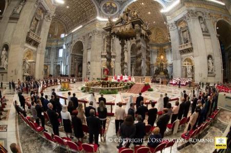Veinte parejas de novios bendecidos por el Papa Francisco