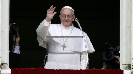 El Papa dirige la oración del Ángelus
