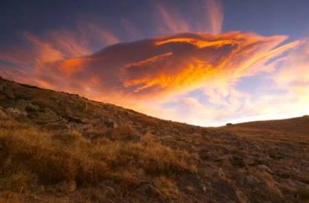 """Desde la nube resplandeciente se oyó la voz del Padre: """"Este es mi Hijo amado; escuchadlo"""""""
