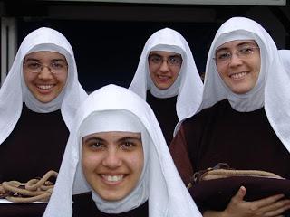 Religiosas jóvenes
