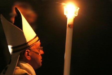 Pope+Francis+Attends+Easter+Vigil+Mass+Vatican+kVCablNSz_yl